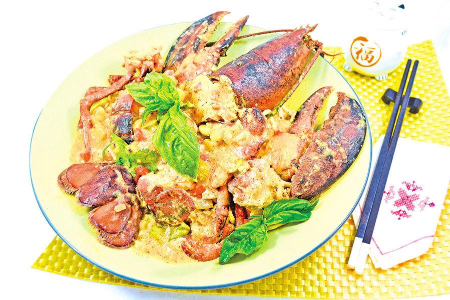 【梁廚美食】叻沙醬龍蝦炆伊麵