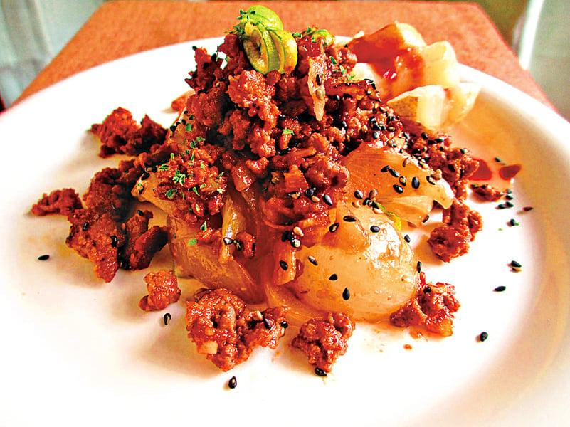 肉燥洋蔥佐薯片