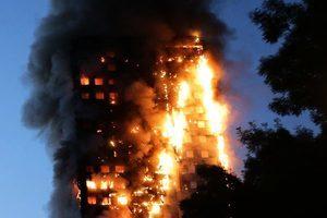 倫敦大火 高樓隔板易燃早被警告卻被忽視