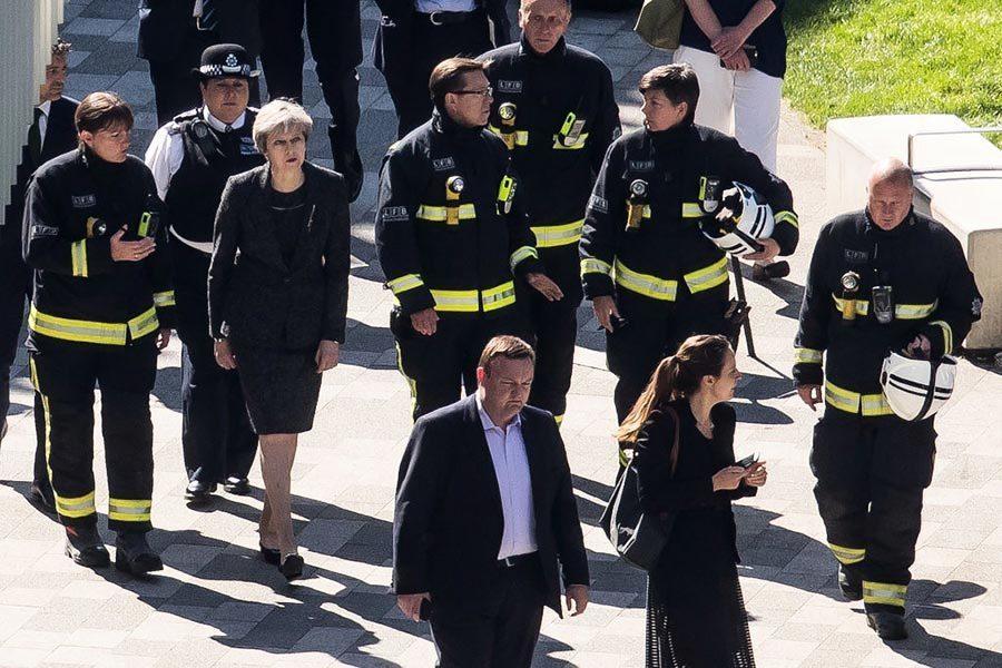 英女皇發信慰問倫敦大火相關人員