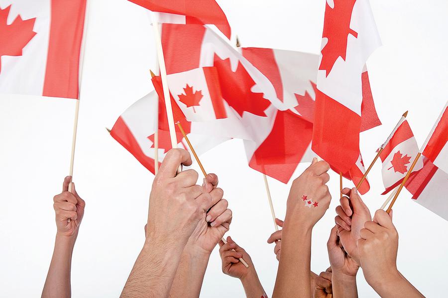 吸引高技能外勞 加拿大兩周批出工作簽證