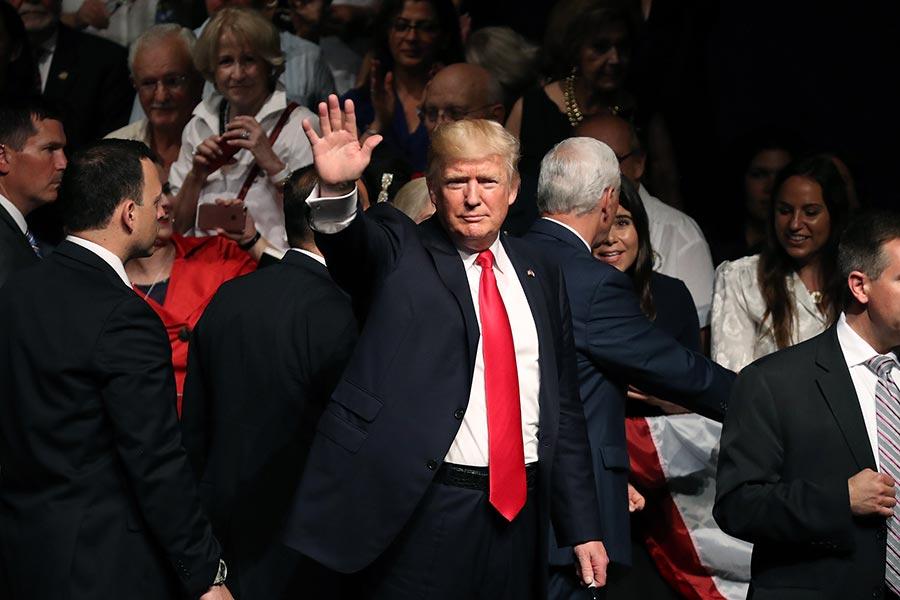 今年6月16日,特朗普在邁阿密宣佈新的古巴政策。(Joe Raedle/Getty Images)