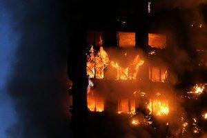 幸虧喝醉了 他在倫敦火災中救出家人和鄰居