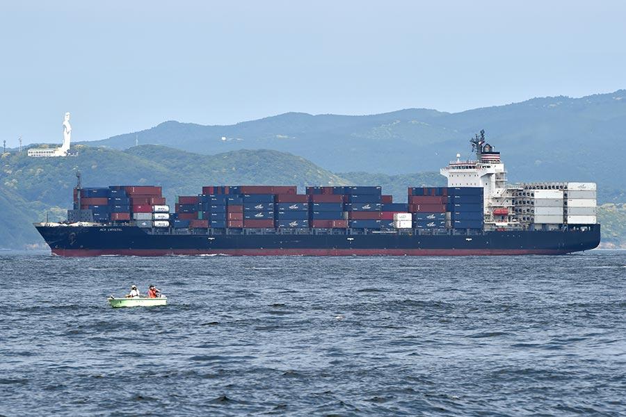 菲律賓貨輪是菲茲傑拉德號的三倍大小。(KAZUHIRO NOGI/AFP/Getty Images)
