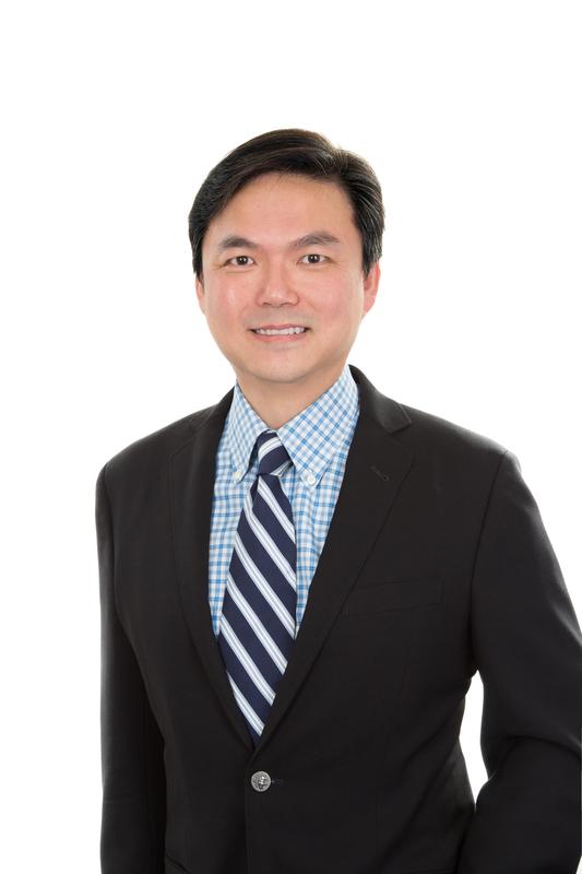 錢志健 Edward Chin 資深對沖基金經理,投資經驗逾20年。曾任全球大型對沖基金地區主管,目前為一間家族資產公司董事局成員,以環球長短倉為主打。他曾撰寫多本金融著作,分享時事、投資與人生智慧。錢氏於2006年組織哈利車隊Ride4Hope,盼望在金融以外做點有意義事情,作另類贏家。