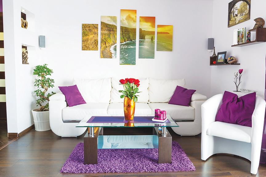 傢俬選擇簡單的樣式,把心思花在裝飾配件上,客廳也能活潑有趣。