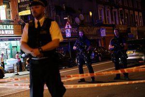 倫敦再遭恐襲 麵包車撞人1死10傷 疑犯被捕