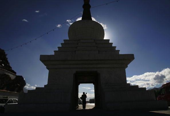 神秘的西藏吸引著許多旅遊者和朝聖者。(China Photos/Getty Images)