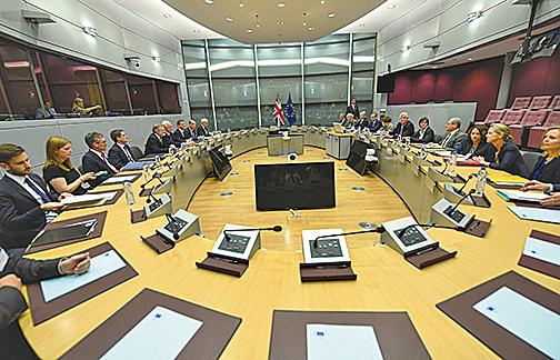 脫歐談判在歐盟總部所在的比利時布魯塞爾舉行。歐盟較早時指談判分兩階段,先談「分手」問題,再談貿易關係。(Getty Images)