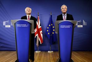 脫歐談判啟動英陷不穩局面