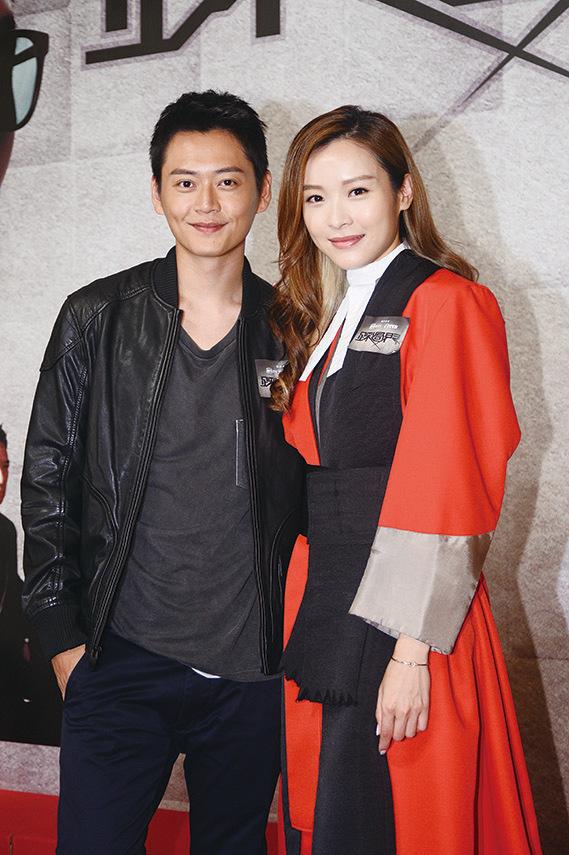 李佳芯表示劇中與張振朗(左)的激情戲是她從演以來最激的。(宋碧龍/大紀元)