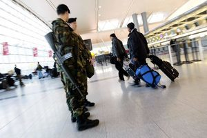 三北韓人跟美國海關拚命搶奪的行李是甚麼