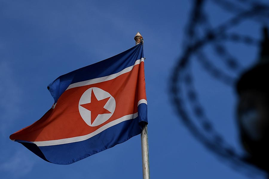 日媒傳出,中方正在削減北韓勞工數量。(MANAN VATSYAYANA/AFP/Getty Images)