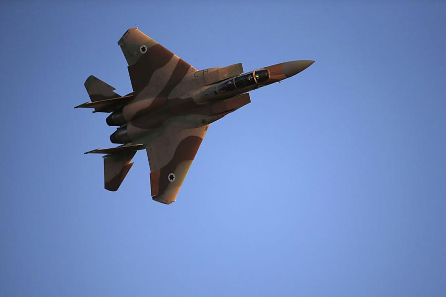 F-15E鷹式戰鬥機是美國空軍的全天候打擊戰機。(THOMAS COEX/AFP/Getty Images)