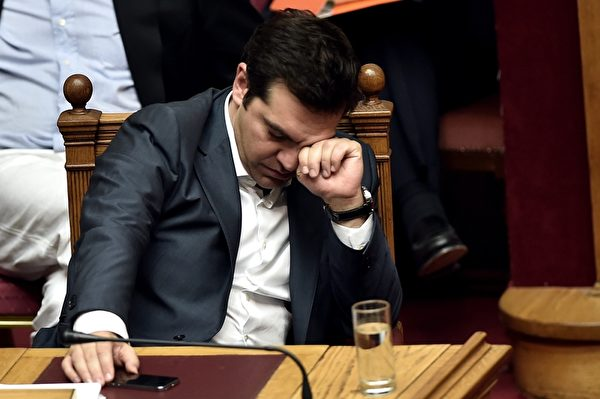 希臘總理齊普拉斯(Alexis Tsipras)近年兩次訪問中國,希望吸引投資者到陷於經濟困境的希臘投資。(ARIS MESSINIS/AFP/Getty Images)