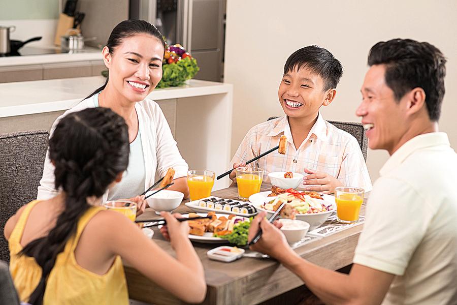 建立家庭共餐傳統 孩子學會健康吃