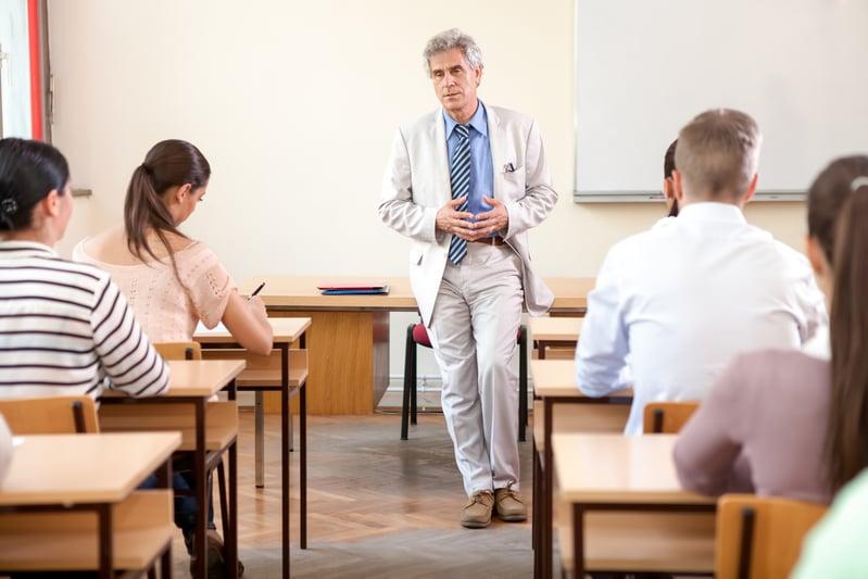 留學不是去玩 留美中國學生成績差將被遣返