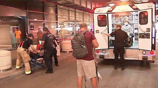 周二(6月20日),一架美國聯合航空公司(United Airlines)的班機從巴拿馬飛往侯斯敦途中,遭遇亂流,導致至少10人受傷。(視像擷圖)