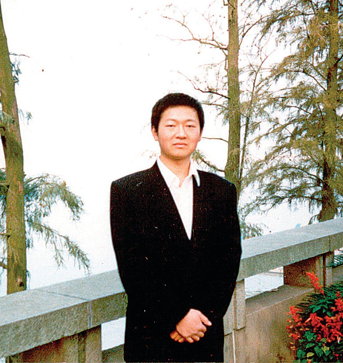 被中共酷刑致死的優秀清華學子袁江。