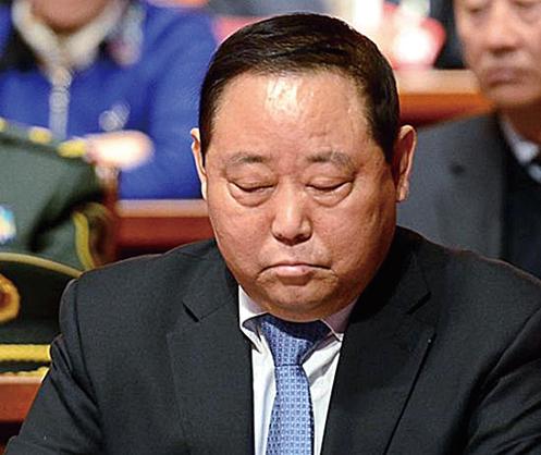 晉貪官三年前病亡 庭審照開