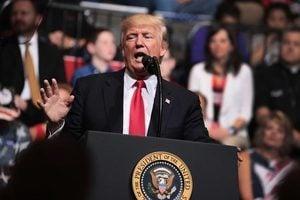 特朗普:移民來美五年內不得享有公共福利
