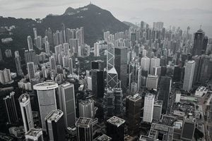 華頗:香港回歸二十年之際 中南海刀光劍影