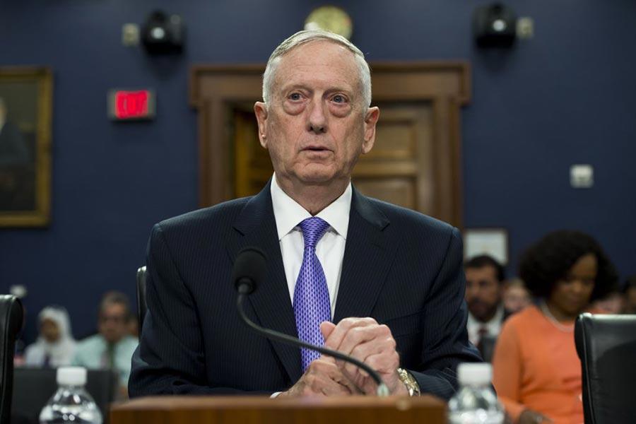 在中美對話上,美國國防部長馬蒂斯(Jim Mattis)解釋了特朗普推文的意思。(SAUL LOEB/AFP/Getty Images)