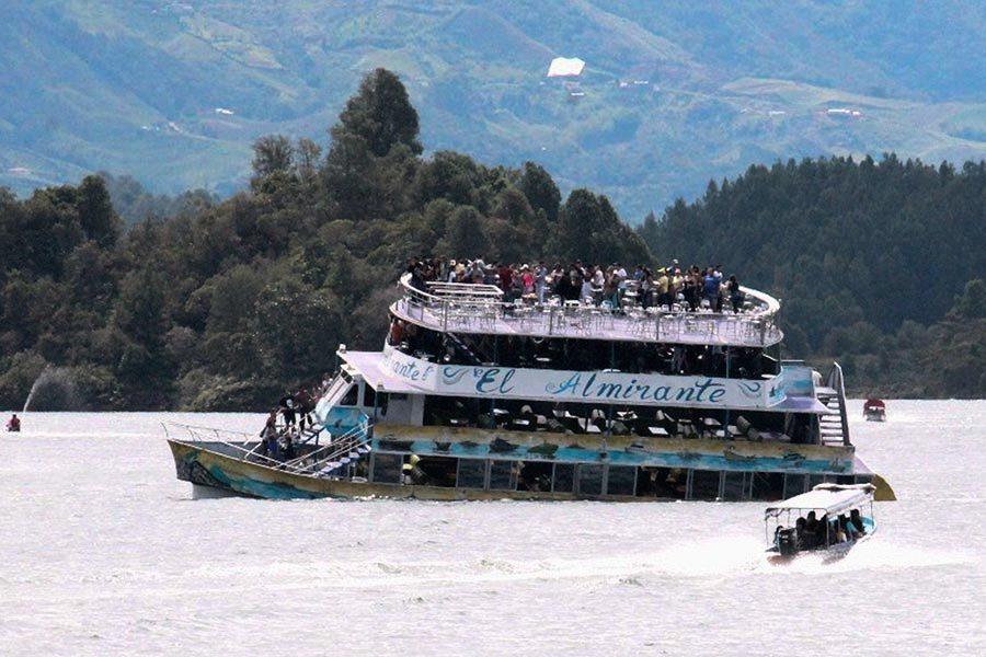 哥倫比亞沉船獲救者:當時太擠 有很多兒童