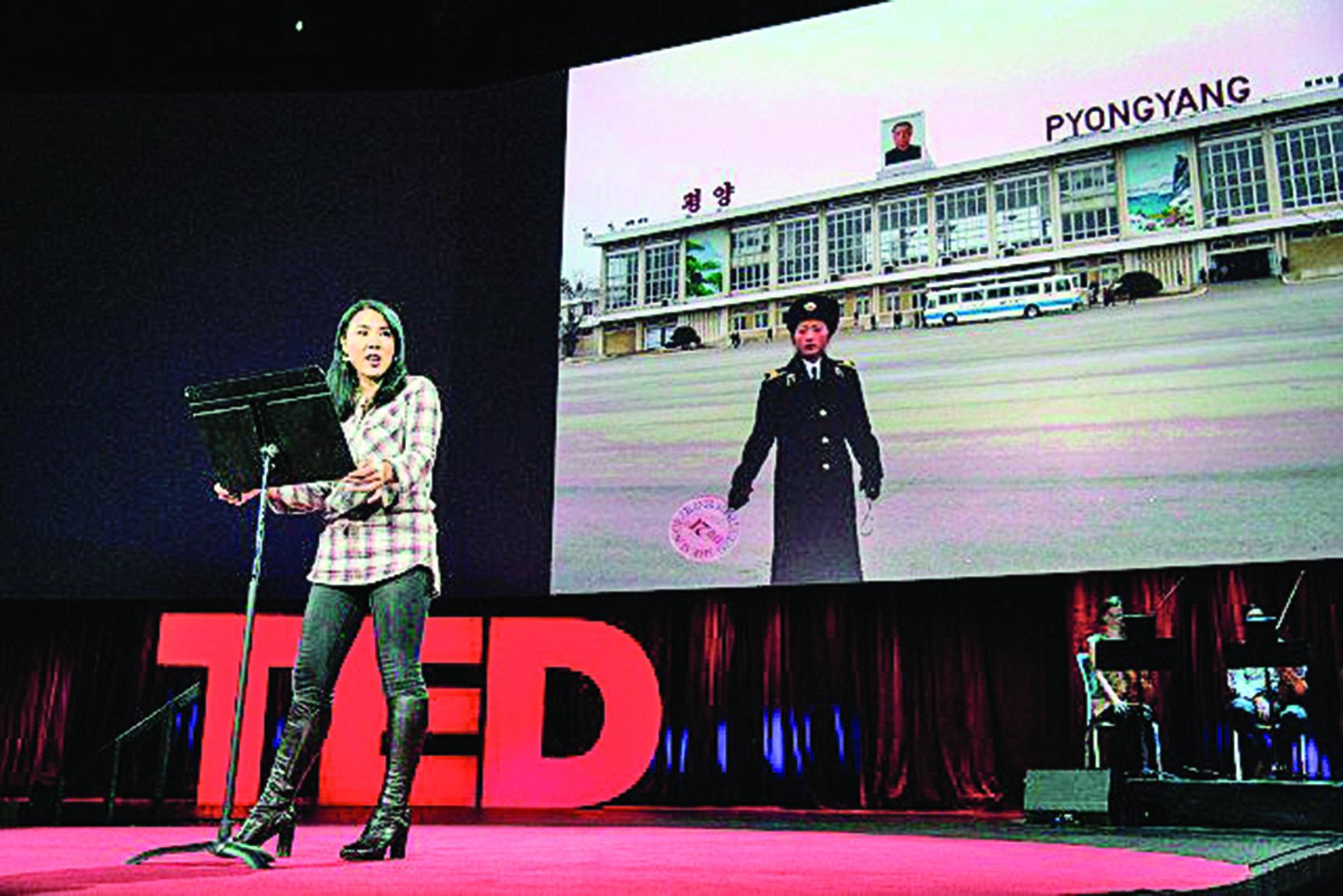 美籍韓裔女作家金素姬2015年在TED會上講述自己的北韓經歷。(TED)