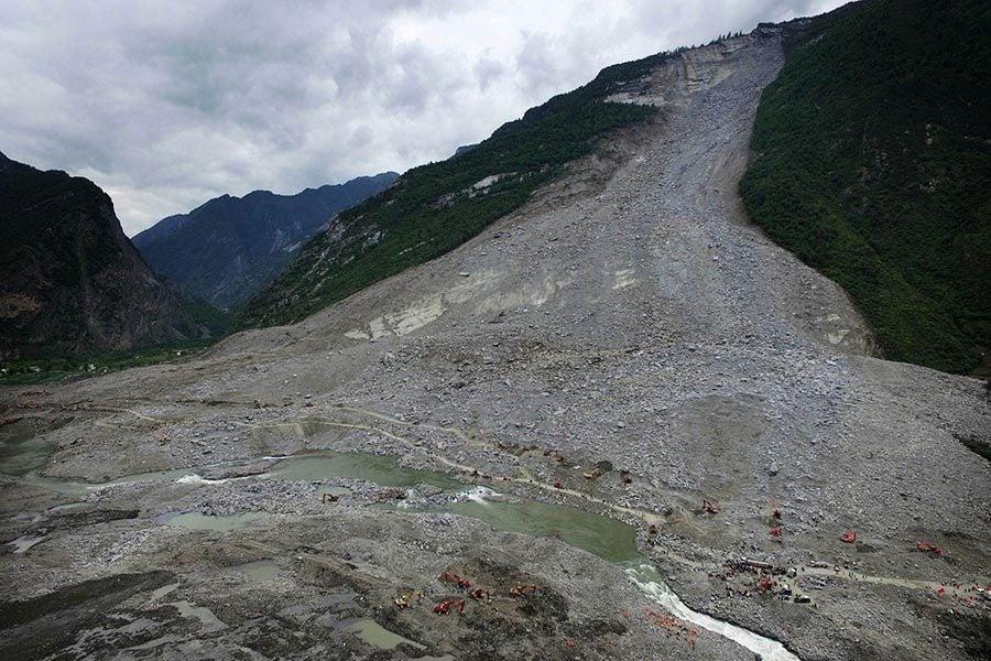 山體垮塌前已有裂縫 川民反映遭官方「維穩」