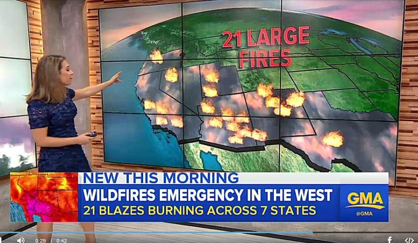 全美目前規模最大的山火已經迫使1500多人撤離猶他州山區南部的房舍。有些地方火焰高達100英尺。(視像擷圖)