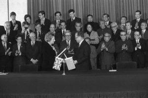 歷史解密:決定香港命運的中英秘密會談
