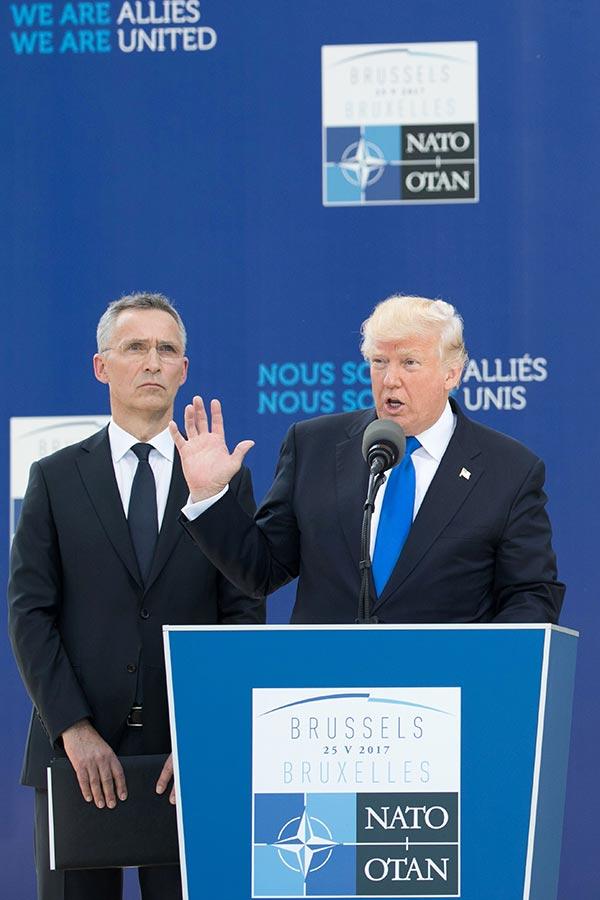 圖為2017年5月25日,特朗普在比利時布爾塞爾舉行的北約峰會上發表演說。(BENOIT DOPPAGNE/AFP/Getty Images)