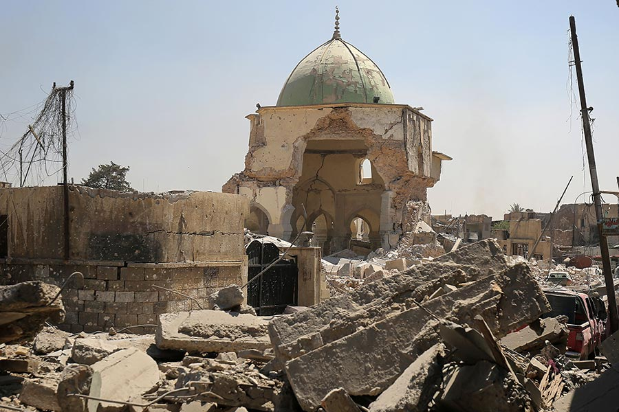 伊拉克政府軍在周四(6月29日)進入伊斯蘭國(IS)重要據點摩蘇爾的心臟地帶,佔領IS的發源地、至少有800年歷史的努里大清真寺(Great Mosque of al-Nuri)。(AHMAD AL-RUBAYE/AFP/Getty Images)