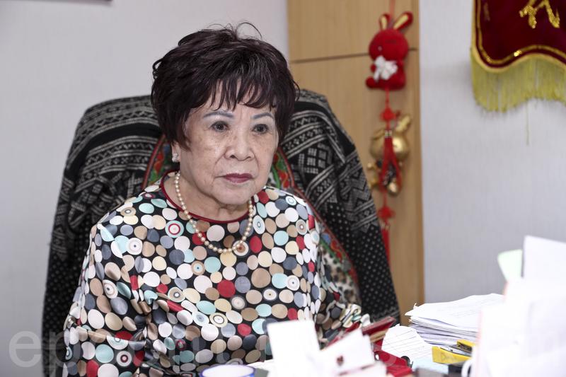 香港證券史上首位擔任聯交所管理層的女性蔡陳葆心。(宋碧龍/大紀元)
