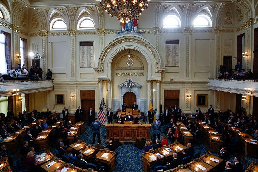 新澤西州議會於7月1日前未能通過2017財政年預算,導致政府部份機構停擺。(Jeff Zelevansky/Getty Images)