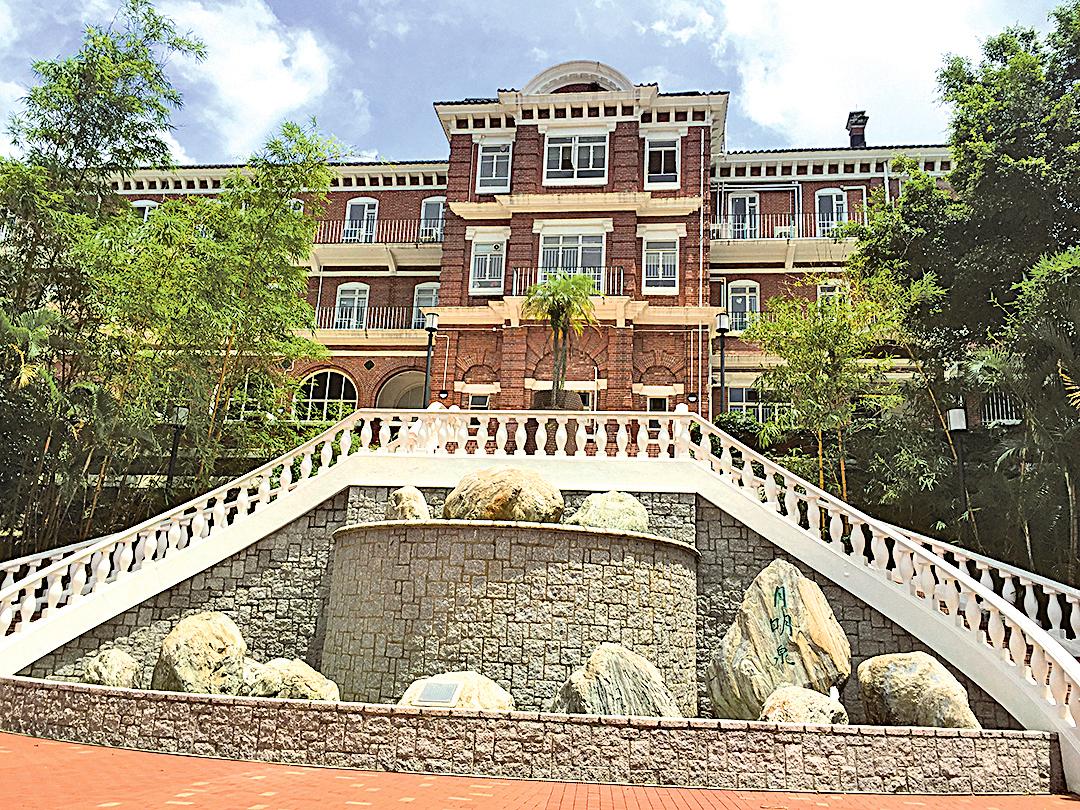 香港大學「梅堂」及「儀禮堂」。(曾蓮/大紀元)