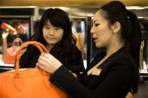 赴英中美遊客大幅增長 旅行目的有何不同