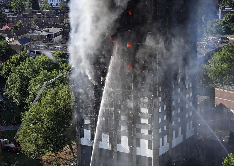 倫敦大火22樓逃生 台灣表姐妹幸運逃過一劫