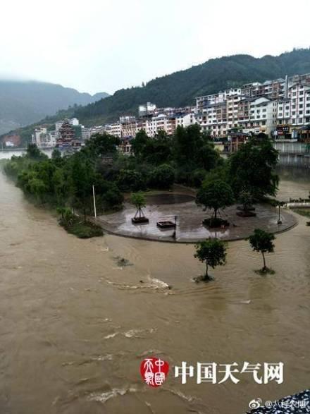 廣西洪災造成9個城市逾39萬人受災。官報數據顯示,已有10人死亡、12人失蹤。(網絡圖片)