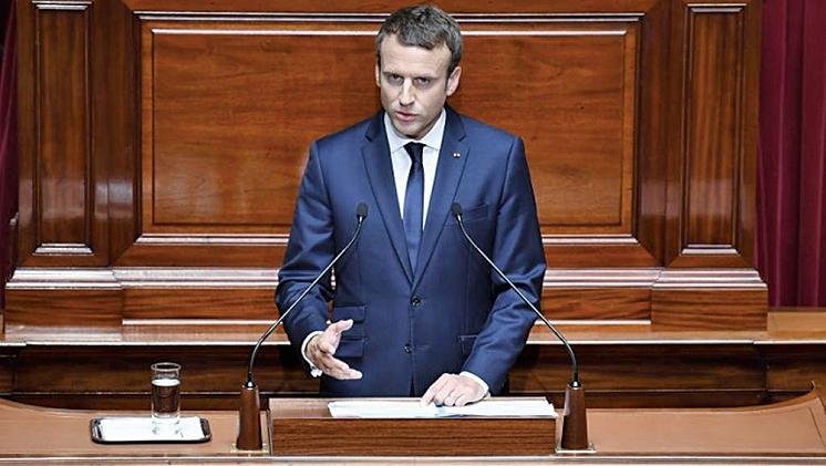 法國總統馬克龍3 日在凡爾賽宮召開國會兩院聯席會議,發表了類似美國「國情咨文」的演說。(AFP)
