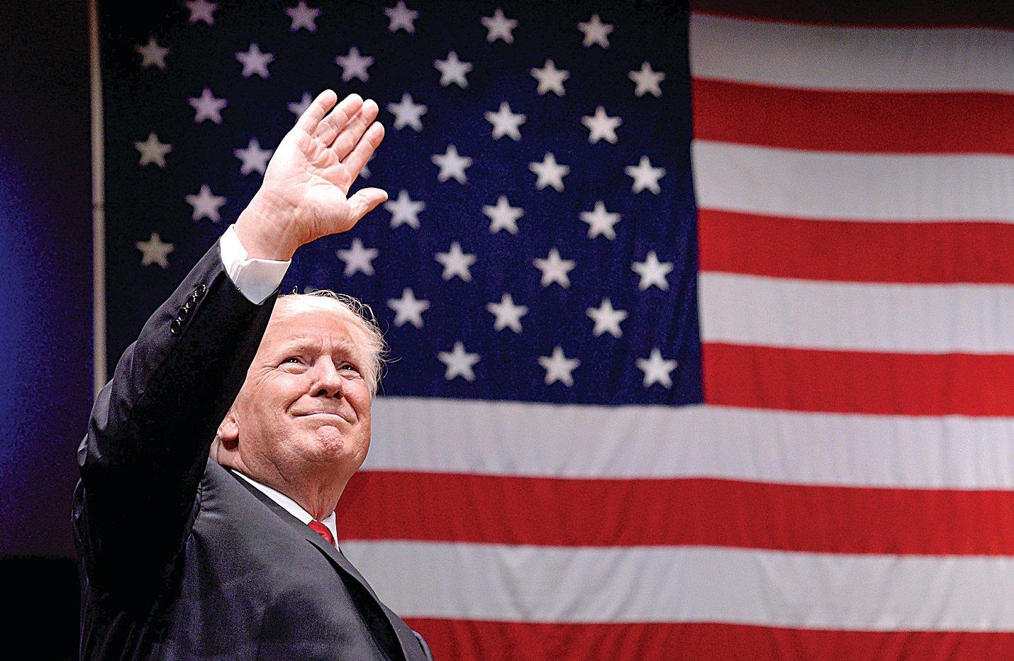 7月1日晚,特朗普總統在甘迺迪藝術中心出席「自由集會」並演講,慶祝即將到來的美國獨立日。 (Getty Images)