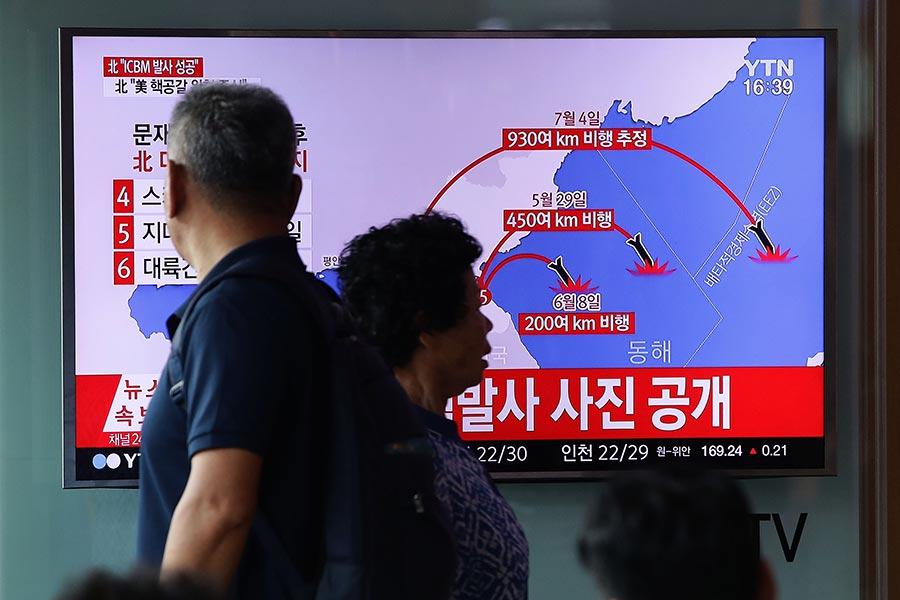 CBS國家安全分析師湯森德(Fran Townsend)周三(7月5日)告訴CBS,北韓成功發射洲際彈道導彈「改變了遊戲規則」。他還披露,北韓核導彈計劃供應鏈的80%來自中共。 (Chung Sung-Jun/Getty Images)