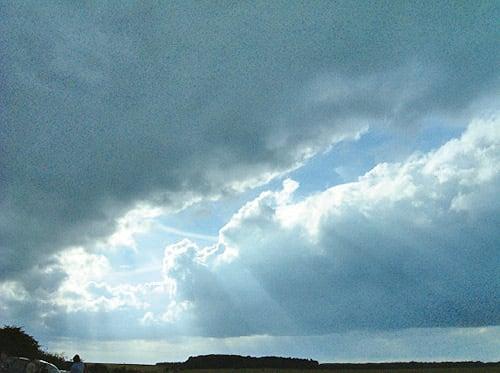 夢以圖騰、各種隱喻、預示向人拍出各種信號,並開啟塵封的心靈。(網絡圖片)