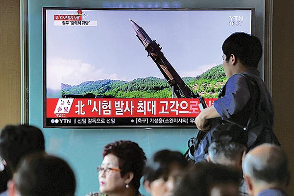 有傳媒報道,北韓來運送導彈的車輛,疑為中國大陸生產的車輛。(Getty Images)