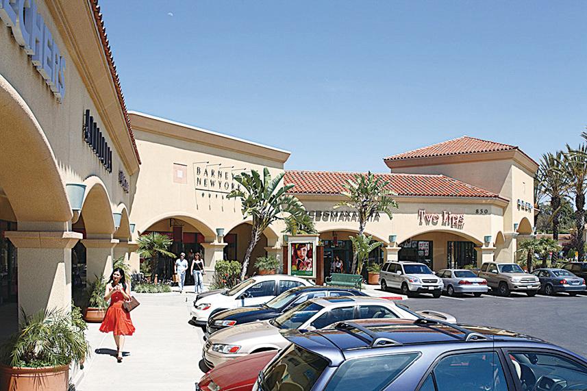 卡瑪里奧世界級的Outlets,吸引全世界遊客。(網絡圖片)