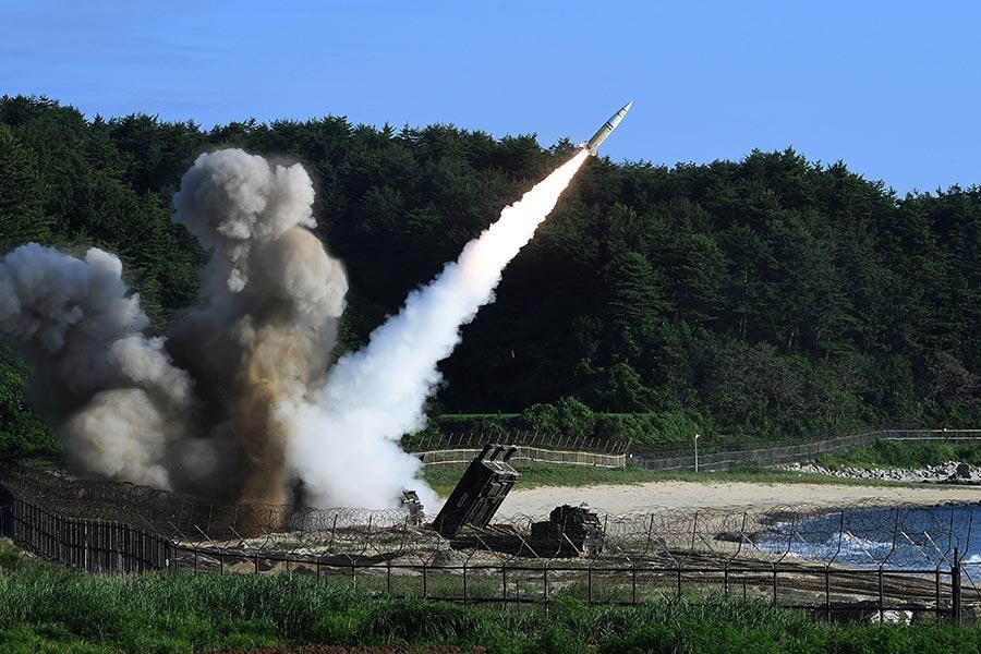 北韓周二(7月4日)試射一枚洲際彈道導彈(ICBM),再次引發國際譴責。北韓能否很快發射一枚ICBM到美國本土引發關注。(South Korean Defense Ministry via Getty Images)