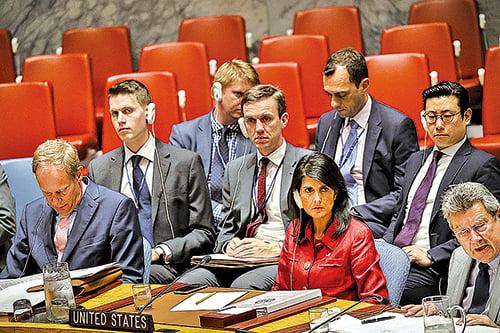 美國駐聯合國大使黑利(Nikki Haley)5日在安理會上,對北韓發出強烈警告。(Getty Images)