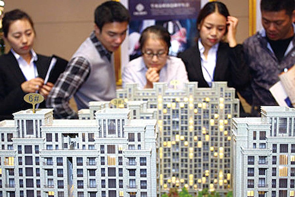 現在的中國年輕人日益陷入債務的深淵。(AFP/AFP/Getty Images)