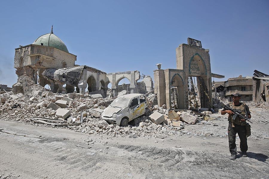 上周,伊拉克部隊進入IS在摩蘇爾的心臟地帶,佔領了至少有800年歷史的努里大清真寺。(AHMAD AL-RUBAYE/AFP/Getty Images)